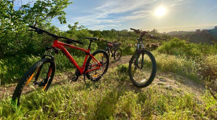 Hybrid Bikes Under $1000