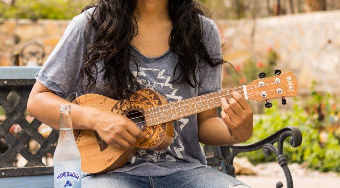 Best Classical Guitar Under $1000
