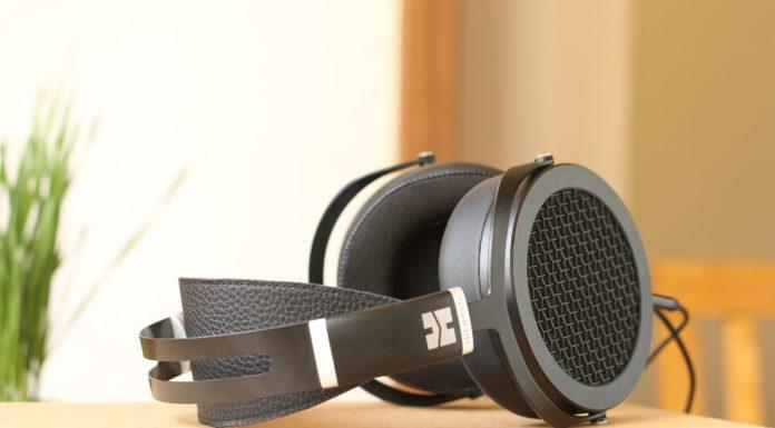 Closed Back Headphones Under $200